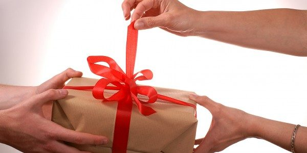 Online Gift Giving and purchasing