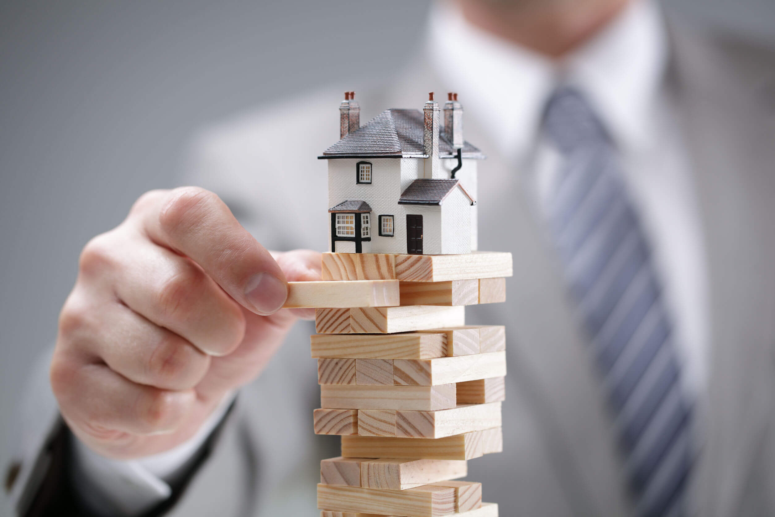 Know about the real estate value for the customers to achieve the maximum price