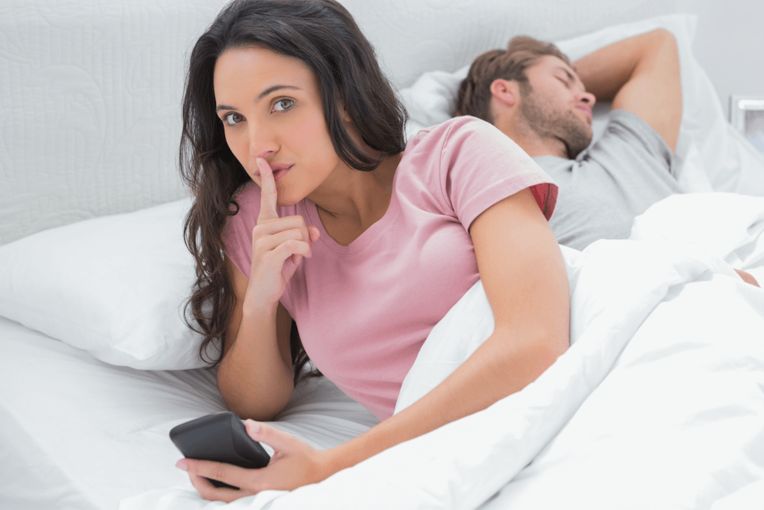 Catch the unfaithful spouse using cell phone spy